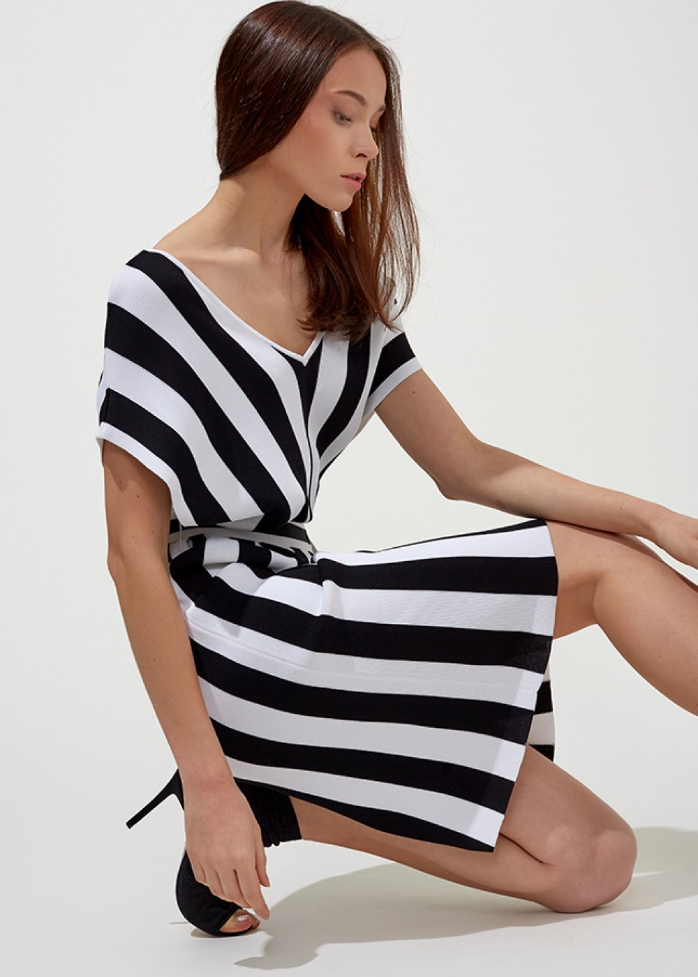Cap Sleeve Mono Striped V Neck Knit Dress