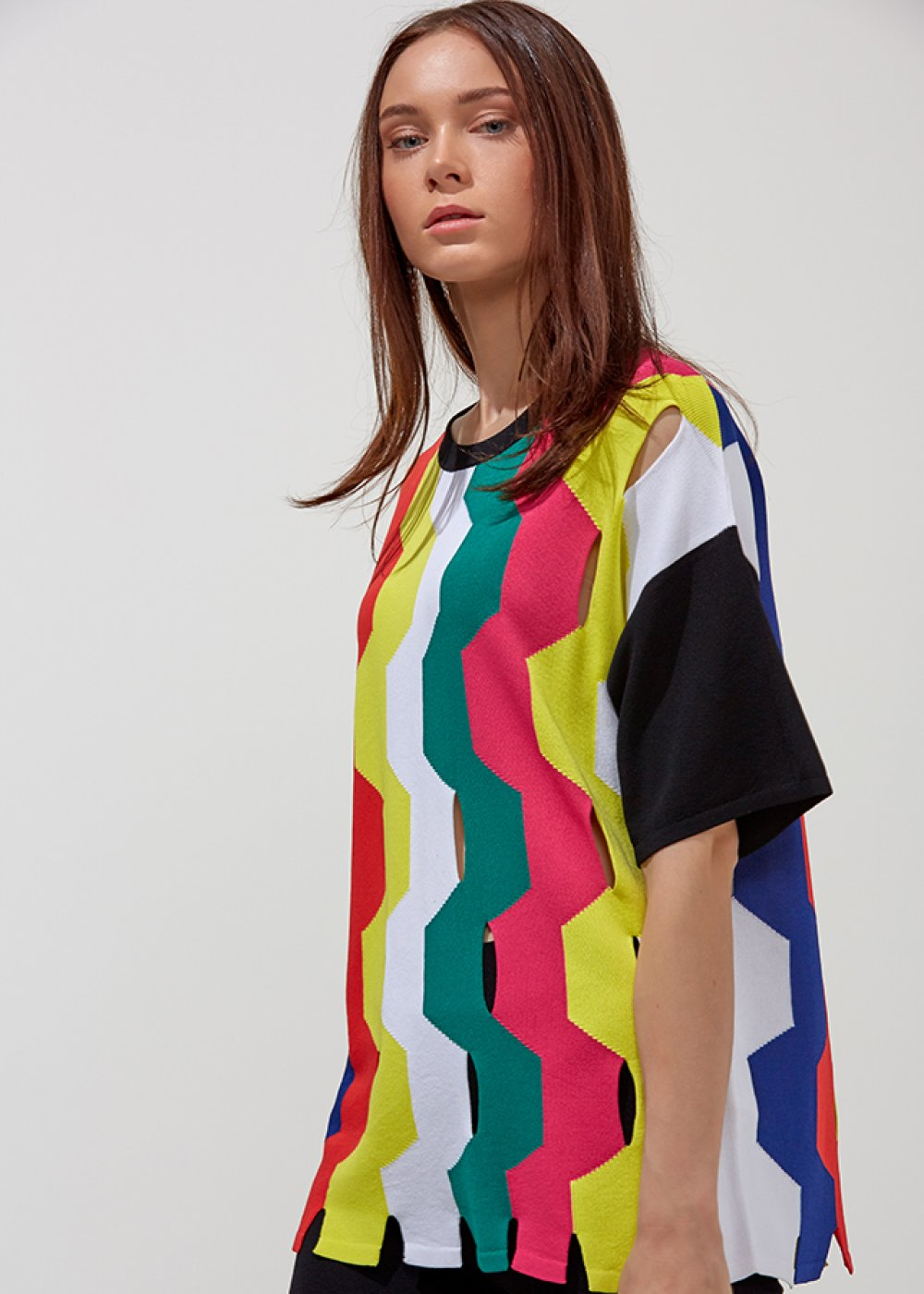 CUT OUT PATTERNED COLORFUL KNIT TOP