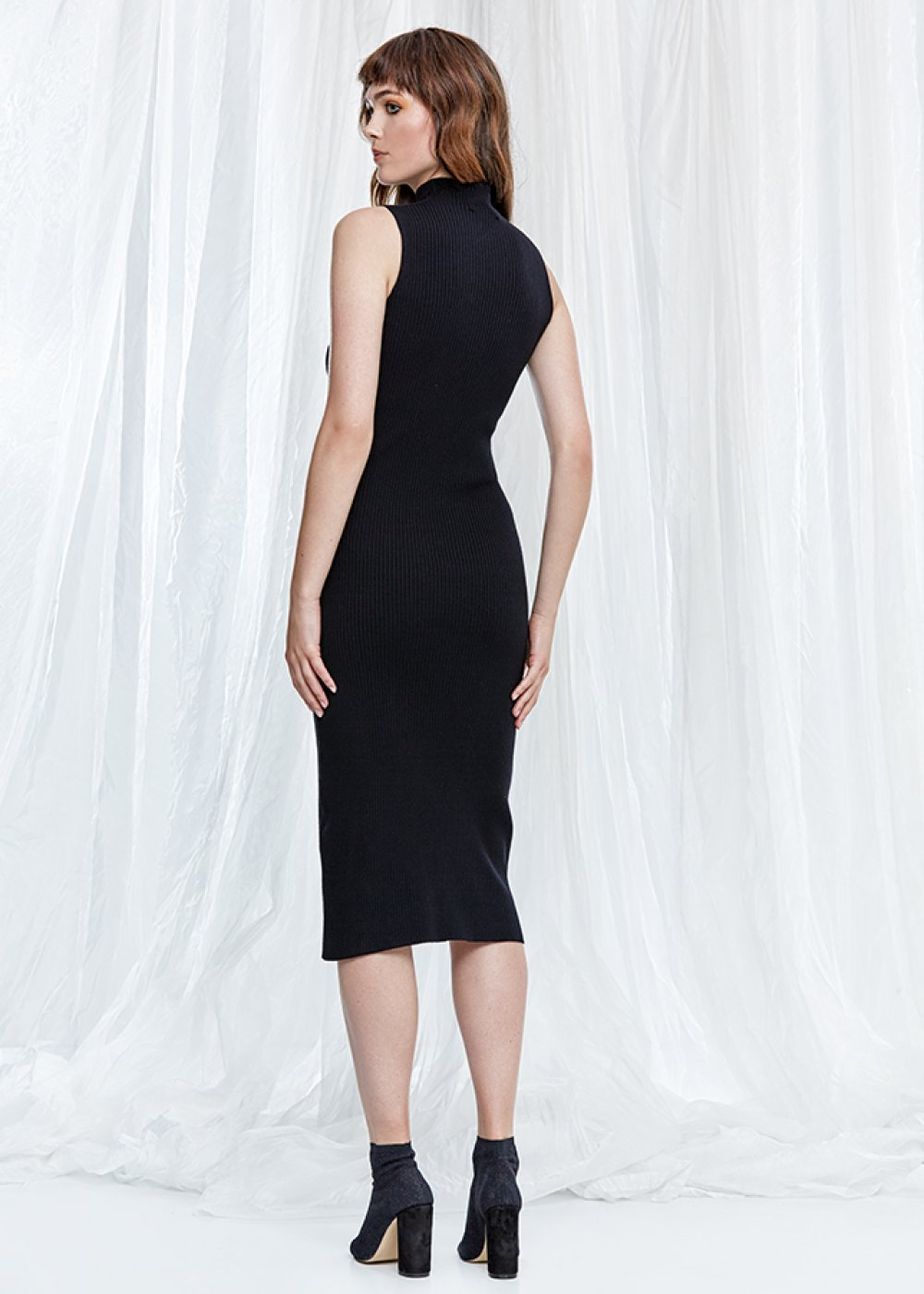 Sleeveless Black Midi Knit Dress