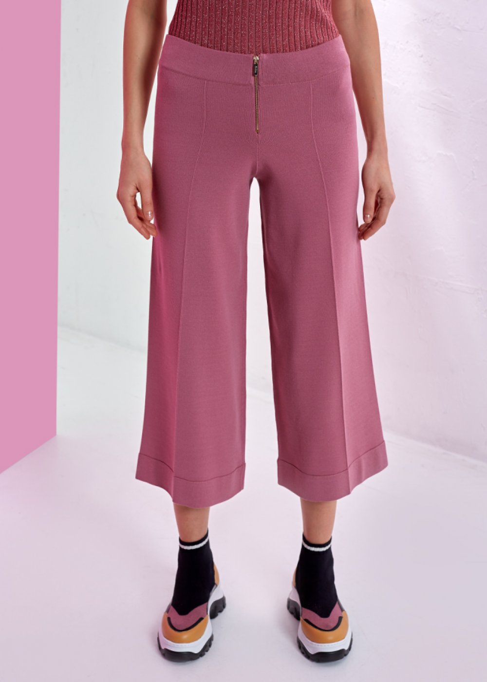 WIDE LEG PINK KNITTED PANT