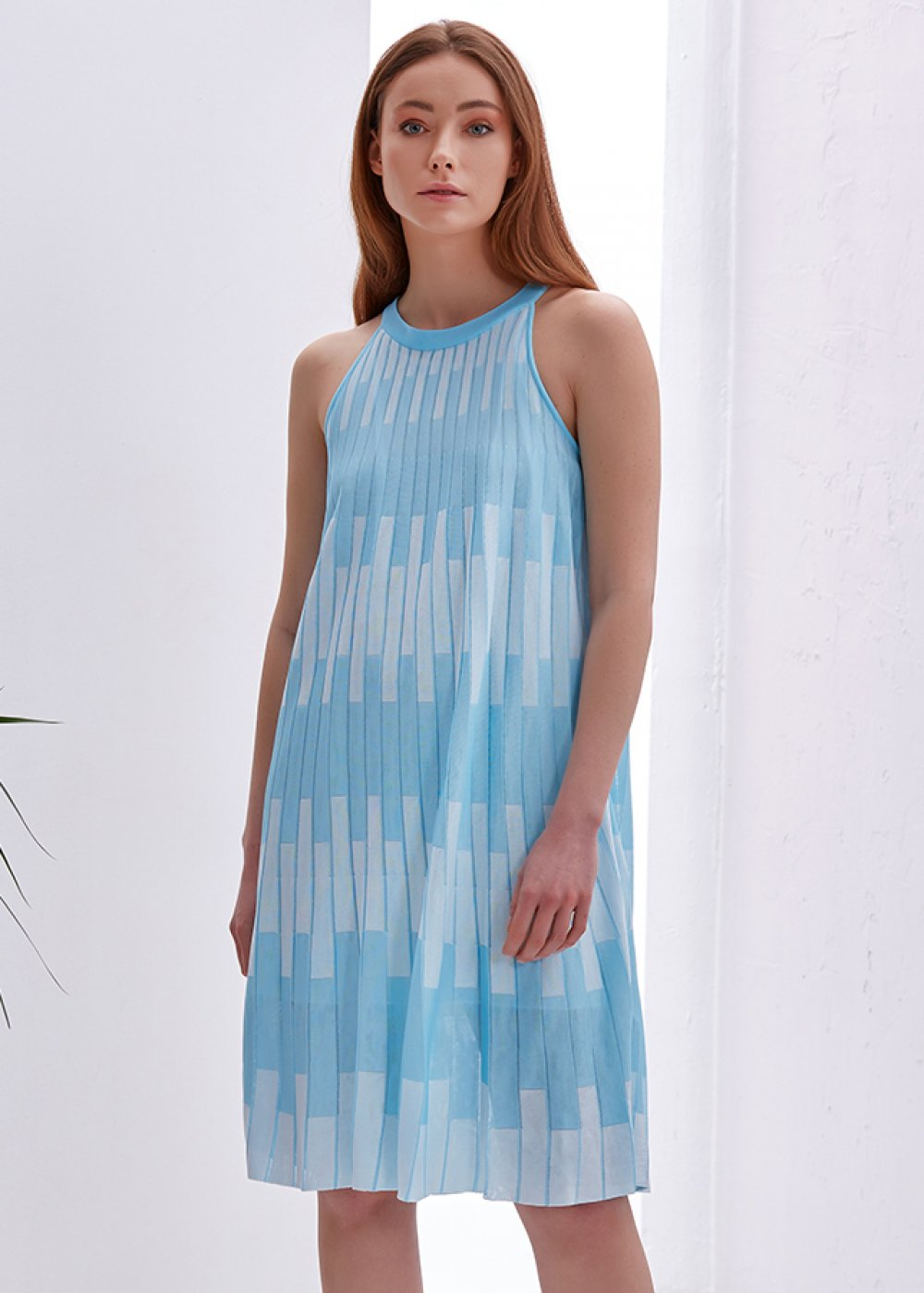 PATTERNED BLUE KNITTED DRESS