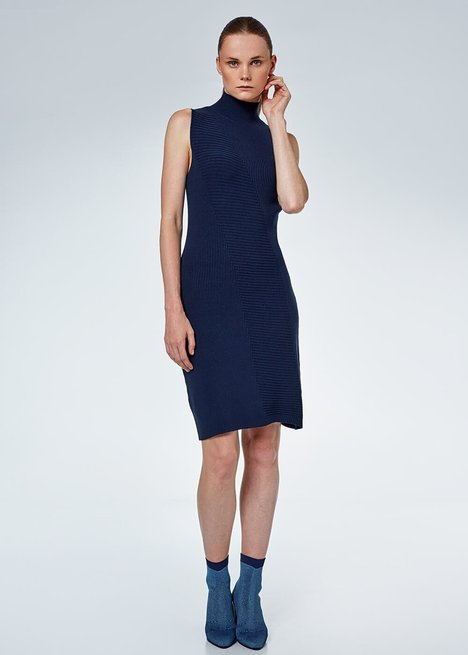 SLEEVELESS NAVY RIB KNIT DRESS