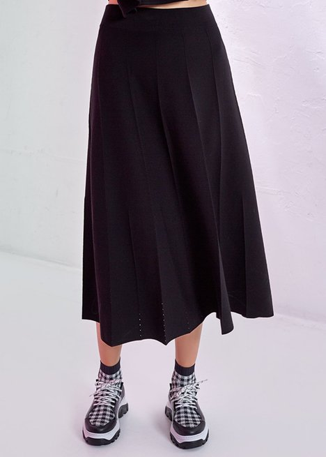 FLARED BLACK MIDI SKIRT