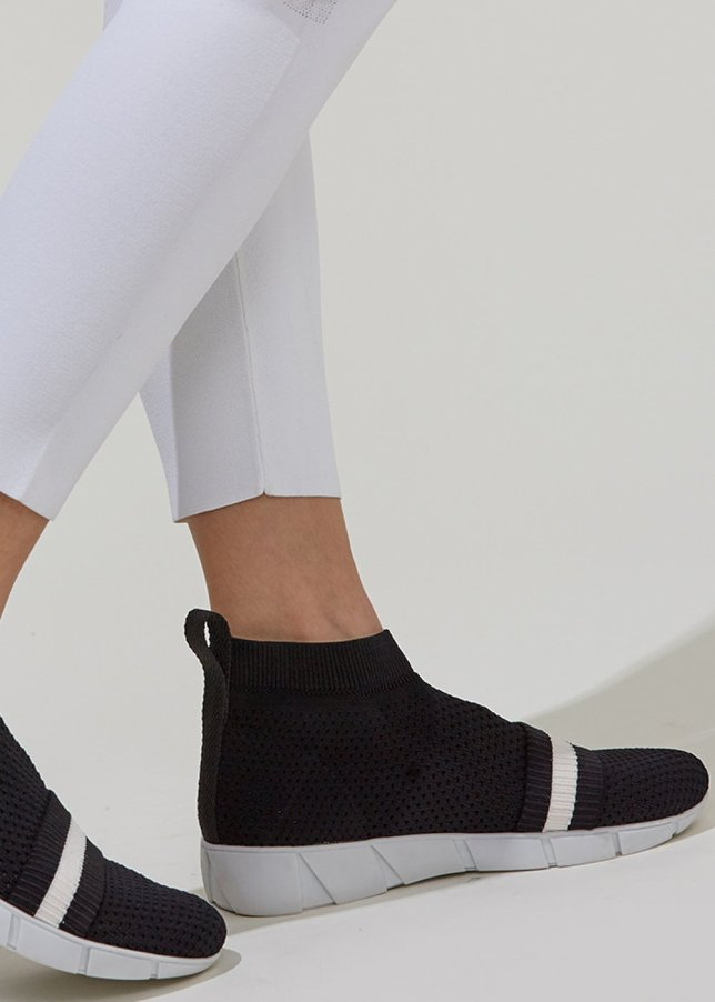 Striped Band Black Knit Sneakers