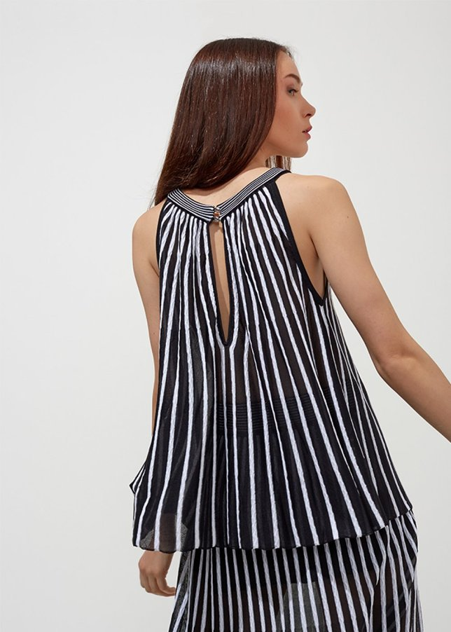 BLACK WHITE STRIPE PATTERNED TOP