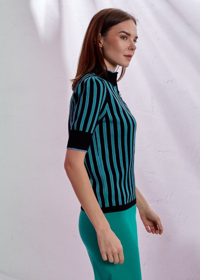 STRIPED PATTERNED TOP