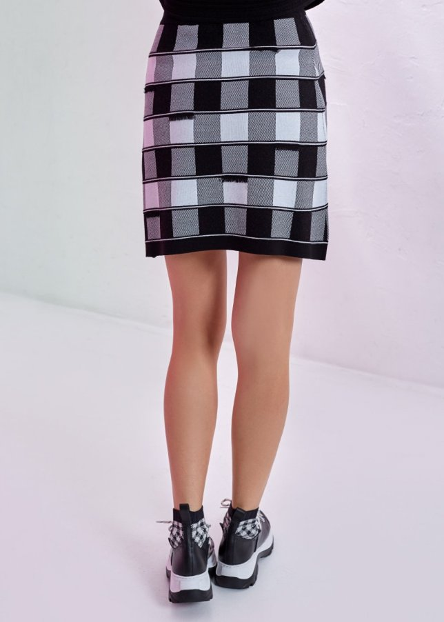 CROWN PATTERNED MINI SKIRT
