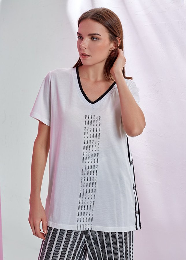 Button Detailed White V Neck T Shirt